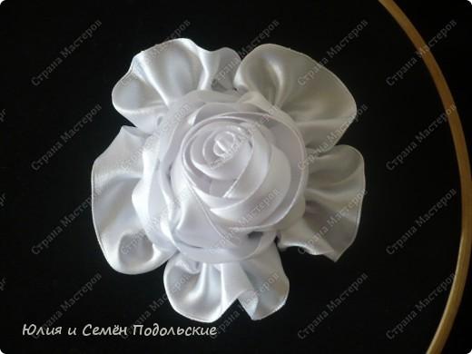 Моя первая роза из атласных лент!!! фото 2