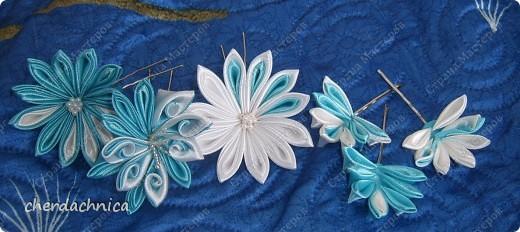Каждые канзашки я создаю под настроение , какое нстроение к такому цвету и тянется рука! Создала новые канзашки! Попробовала новые лепестки!