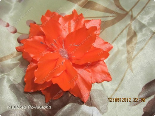 Моя первая лилия! Очень понравилось делать такую красоту! фото 1