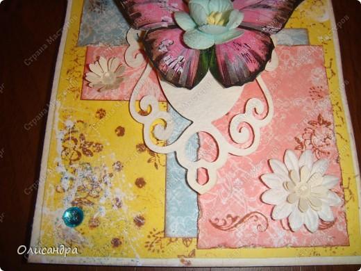 """Здравствуйте, мои дорогие! Сегодня я опять с бабочками. Продолжаю """"мучить скрап"""", и мне все больше и больше нравится это занятие. Наверно, пока не закончатся все бабочки на моей скраповой бумаге, так и будут летать на новых открытках...  фото 13"""