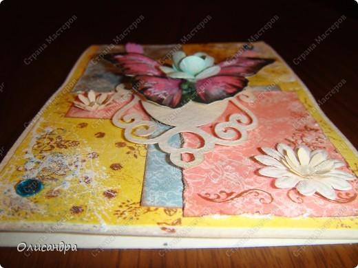 """Здравствуйте, мои дорогие! Сегодня я опять с бабочками. Продолжаю """"мучить скрап"""", и мне все больше и больше нравится это занятие. Наверно, пока не закончатся все бабочки на моей скраповой бумаге, так и будут летать на новых открытках...  фото 14"""