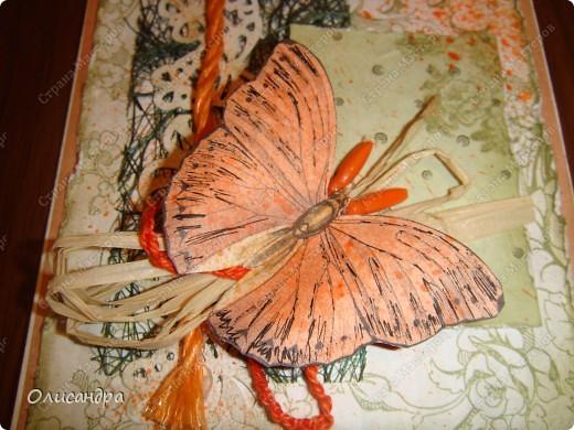 """Здравствуйте, мои дорогие! Сегодня я опять с бабочками. Продолжаю """"мучить скрап"""", и мне все больше и больше нравится это занятие. Наверно, пока не закончатся все бабочки на моей скраповой бумаге, так и будут летать на новых открытках...  фото 5"""