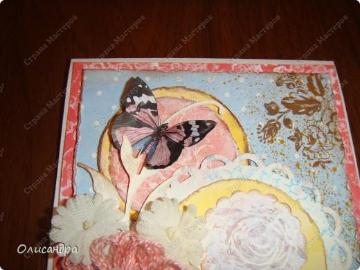 """Здравствуйте, мои дорогие! Сегодня я опять с бабочками. Продолжаю """"мучить скрап"""", и мне все больше и больше нравится это занятие. Наверно, пока не закончатся все бабочки на моей скраповой бумаге, так и будут летать на новых открытках...  фото 19"""