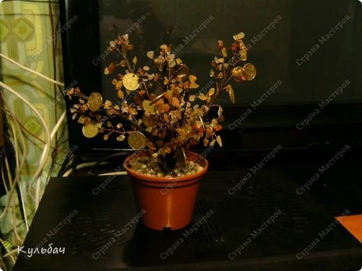 Осенне дерево. Бисер блестит, поэтому сливается в одно пятно... фото 4