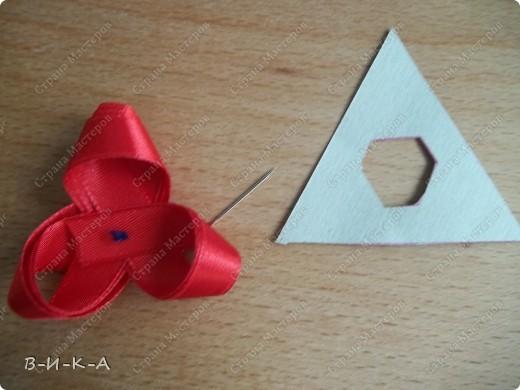 Мастер-класс Украшение Цумами Канзаши Цветы из лент за 5 минут Картон Ленты фото 11