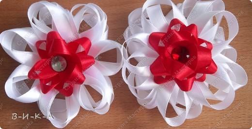 Мастер-класс Украшение Цумами Канзаши Цветы из лент за 5 минут Картон Ленты фото 1