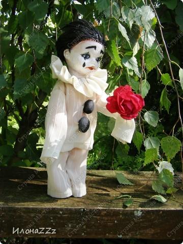 У Леонардески и Ассоль прочитала про ООАК, переделку серийных кукол. Сначала читала про все достаточно скептически, но прошла по всем ссылкам, и на следующиий день появился новый персонаж. Действительно, переделать уже готовую куклу- идея ведь простая, но в голову почему-то не приходит... Так что спасибо всем, кто рассказывает о новых веяниях. фото 3