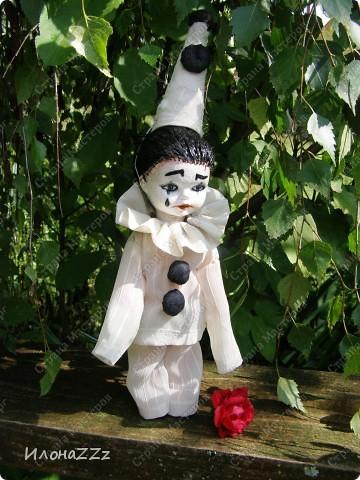 У Леонардески и Ассоль прочитала про ООАК, переделку серийных кукол. Сначала читала про все достаточно скептически, но прошла по всем ссылкам, и на следующиий день появился новый персонаж. Действительно, переделать уже готовую куклу- идея ведь простая, но в голову почему-то не приходит... Так что спасибо всем, кто рассказывает о новых веяниях. фото 4