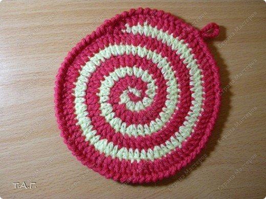 Спираль - символизирует движения к центру. Движение к просветлению и мудрости, поэтому спираль часто изображают в виде свернувшейся змеи. Спираль - символ развития и вечного изменения. Развитие всего в мире совершается по принципу спирали. Каждый виток - конец одного цикла и начало другого. Спираль - символ циклических ритмов: смена времен года, рост и убывание луны, рождение и смерть человека. Спираль - ритм жизни. фото 14