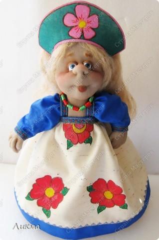 Маленький домик, русская печка,  Пол деревянный, лавка и свечка,  Котик-мурлыка, муж работящий -  Вот оно счастье! Нет его слаще... фото 1