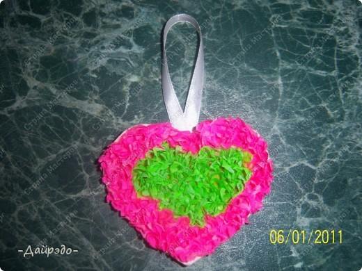 Привет, Страна Мастеров!!! К Вашему вниманию представляю эту замечательную валентиночку которую сделала моя младшая сестра Надюша  в технике торцевание. фото 1