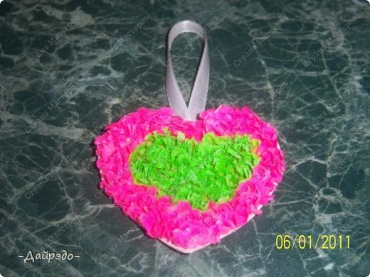 Привет, Страна Мастеров!!! К Вашему вниманию представляю эту замечательную валентиночку которую сделала моя младшая сестра Надюша  в технике торцевание. фото 3