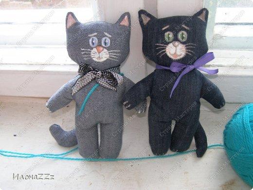 Котики из старых джинсов из лицевой и изнаночной сторон.  фото 2