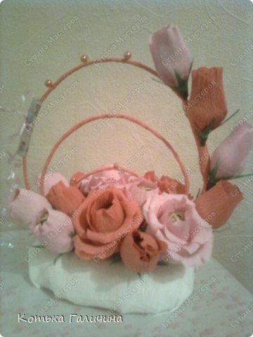 """Подруга заказала для коллеги)) Экстремально быстро сделала за 1 вечер. Мой прогресс в том, что научилась делать цветы так, чтобы конфетки замечательно """"входили"""" и """"выходили""""))) т.е. они не закреплены. фото 1"""
