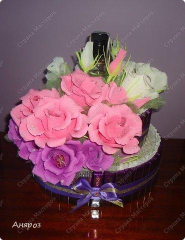 Привет всем! Заказали мне в пятницу торт на воскресенье на свадьбу. Условие было, чтобы были шкатулки  с бутылкой и побольше конфет. Делалось в авральном режиме.  фото 1