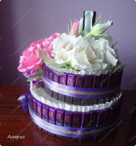 Привет всем! Заказали мне в пятницу торт на воскресенье на свадьбу. Условие было, чтобы были шкатулки  с бутылкой и побольше конфет. Делалось в авральном режиме.  фото 4