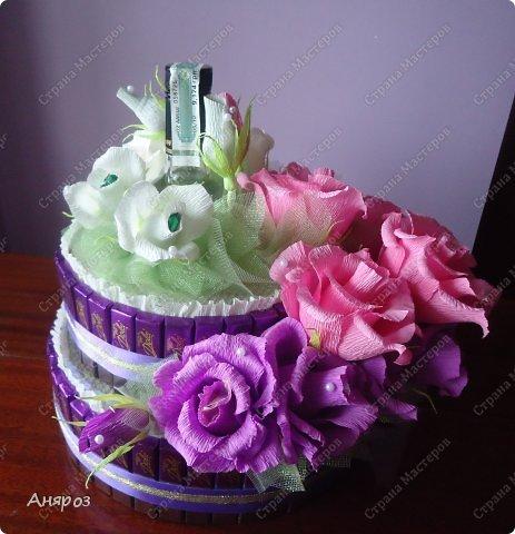 Привет всем! Заказали мне в пятницу торт на воскресенье на свадьбу. Условие было, чтобы были шкатулки  с бутылкой и побольше конфет. Делалось в авральном режиме.  фото 6