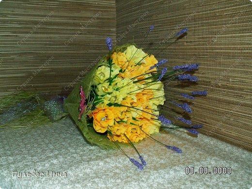 Первый раз делала букеты конфетные))) Очень увлекательное занятие оказалось))))  фото 2