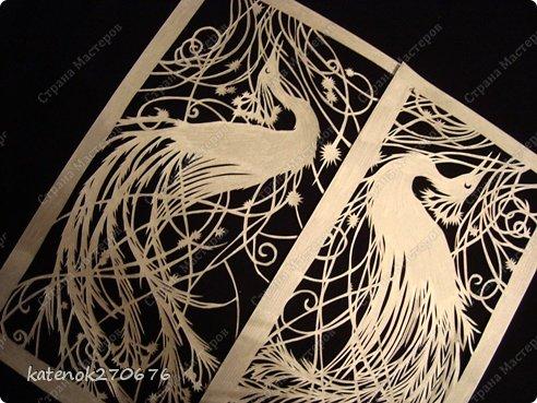 Пахнет полем воздух чистый...   В безмятежной тишине   Песни птички голосистой   Раздаются в вышине.   Есть у ней своя подруга,   Есть у ней приют ночной,   Средь некошеного луга,   Под росистою травой.   В небесах, но не для неба,   Вся полна живых забот,   Для земли, не ради хлеба,   Птичка весело поет.   Внемля ей, невольно стыдно   И досадно, что порой   Сердцу гордому завидна   Доля птички полевой!           (Полонский Я. П.) фото 1