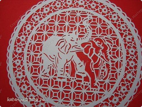 Слон как символ олицетворяет мудрость, силу и благоразумие. Он служит в Индии, Китае и Африке эмблемой царской власти и символизирует качества, необходимые для хорошего правителя - достоинство, проницательность, интеллект, терпение, а также верность, миролюбие, долголетие, процветание, счастье.  В Древней Индии слон - символ священной мудрости, царского достоинства, непобедимой мощи и благоразумия.  В буддизме слон - наиболее почитаемое священное животное, символ духовного знания и стабильности. Белый слон -  символ сострадания, любви, доброты и благоразумия.  У китайцев слон олицетворяет силу, осмотрительность, проницательность, энергию, верховную власть, а также символизирует долголетие, преодоление смерти.  В греко-римской традиции слон является эмблемой мудрости. В представлениях древних римлян слон ассоциировался с победой, а также означал долголетие, бессмертие, победу над смертью.  ( с просторов интернета)  фото 3