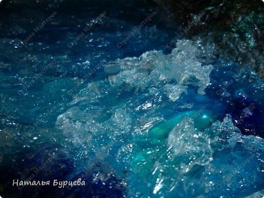 """Здравствуйте дорогие жители СМ! хочу продолжить тему """"ВОДЫ"""", и показать как делать волны на гладкой поверхности. Для тех, кто не видел МК моих фантанов, посмотрите тут http://stranamasterov.ru/node/386862. А тут маленький фонтанчик с водой, но без волн, на тот момент еще не знала как http://stranamasterov.ru/node/419040.  А сюда рекомендую просто-так заглянуть, для повышения настроения http://stranamasterov.ru/node/427451.  фото 1"""