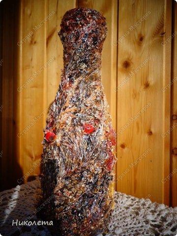 """Всем привет!!!!!!! По просьбе моих дорогих девчонок выкладываю  процесс создания вазочки из бутылки. Нам понадобятся следующие """"ингредиенты"""": 1. бутылка 2. краска белая (для покраски бутылки, любая акриловая или  любая строительная эмаль) 3. салфетка 4. клей ПВА 5. краски """"Гуашь"""" 6. краски акриловые """"Металлик"""" 7. шпатлевка (любая) 8. лак акриловый 9. любой неводный быстросохнущий лак 10. природный материал (сухие растения, листья, семена, колоски, сухие ягоды, любая крупа) 11. кисточки 12. шпатель   фото 32"""