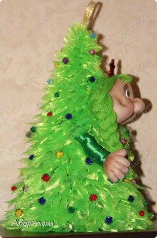 Всем доброго времени суток! Вот и я начала готовиться к новогодним праздникам. Вот решила показать какая елочка у меня получилось дочке в детский садик. Огромное спасибо за МК Наталии Винк.  фото 4