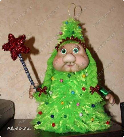Всем доброго времени суток! Вот и я начала готовиться к новогодним праздникам. Вот решила показать какая елочка у меня получилось дочке в детский садик. Огромное спасибо за МК Наталии Винк.  фото 7