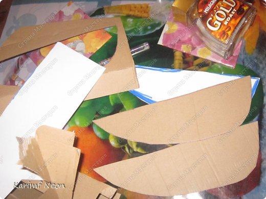 Я решил, что Лампа Алладина очень  нужна перед Новым Годом!! Как и в предыдущей моей записи, всё делалось из картона и целлофановых пакетов.  фото 4