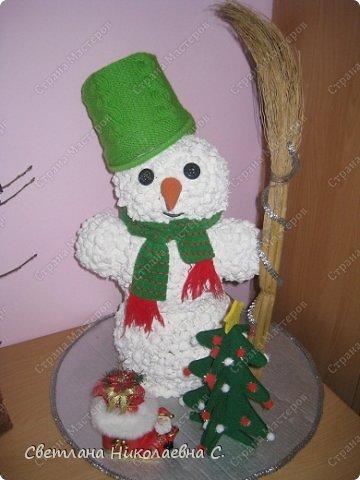 Как сделать из салфеток снеговика