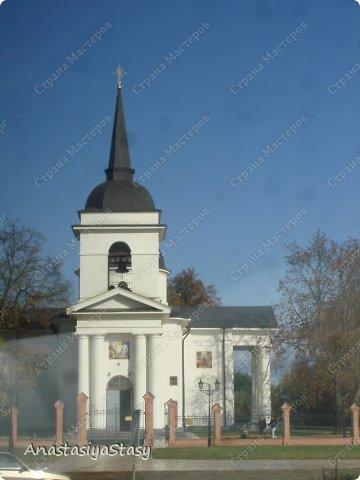 Некая часовенька, вокруг которой мы совершили крестный ход с местными жителями и священниками.  фото 1