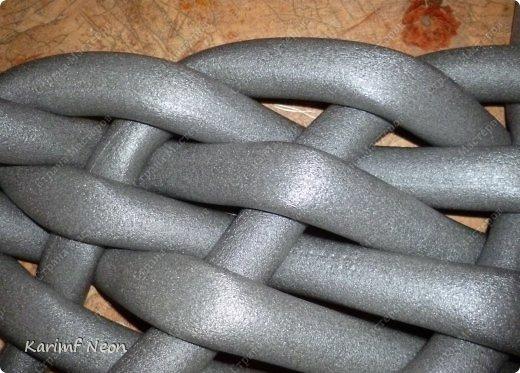 Подушка-коврик сделана из поролоновых трубочек.  Такие трубки используются для утепления водопроводных труб. Продаются в строительных магазинах. Стоят, просто копейки. Вся подушка обошлась в 100 руб.  фото 14