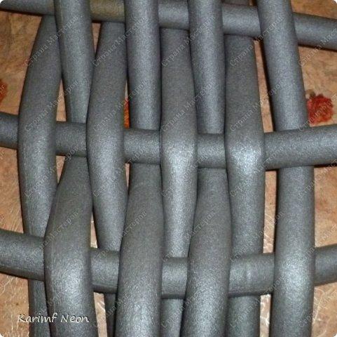 Подушка-коврик сделана из поролоновых трубочек.  Такие трубки используются для утепления водопроводных труб. Продаются в строительных магазинах. Стоят, просто копейки. Вся подушка обошлась в 100 руб.  фото 18