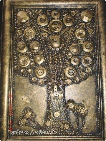 Картина панно рисунок Аппликация Дерево из пуговиц и старой бижутерии Бисер Клей Пуговицы фото 1
