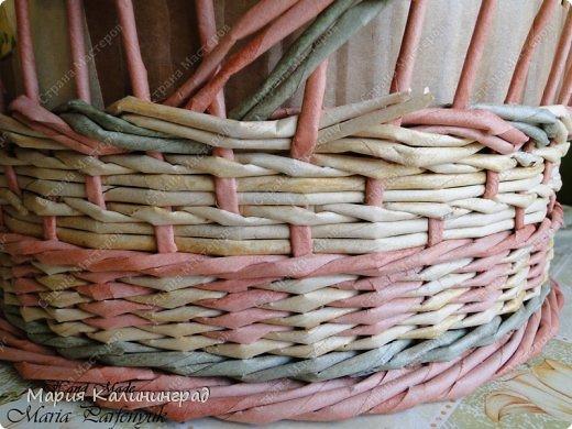 Мастер-класс Поделка изделие Плетение мк трёхцветной косы и пара плетушек Бумага газетная Трубочки бумажные фото 15