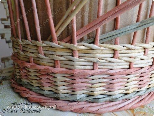 Мастер-класс Поделка изделие Плетение мк трёхцветной косы и пара плетушек Бумага газетная Трубочки бумажные фото 11