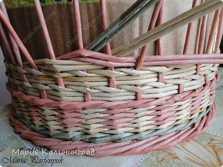 Мастер-класс Поделка изделие Плетение мк трёхцветной косы и пара плетушек Бумага газетная Трубочки бумажные фото 13