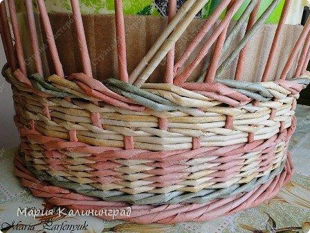 Мастер-класс Поделка изделие Плетение мк трёхцветной косы и пара плетушек Бумага газетная Трубочки бумажные фото 19