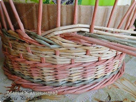 Мастер-класс Поделка изделие Плетение мк трёхцветной косы и пара плетушек Бумага газетная Трубочки бумажные фото 20