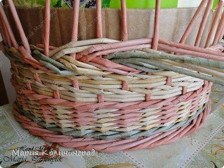 Мастер-класс Поделка изделие Плетение мк трёхцветной косы и пара плетушек Бумага газетная Трубочки бумажные фото 21