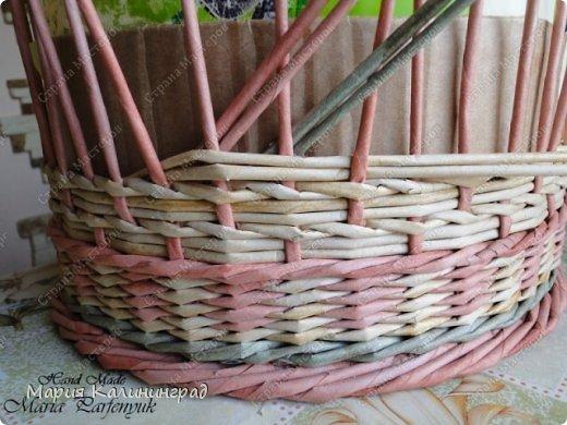 Мастер-класс Поделка изделие Плетение мк трёхцветной косы и пара плетушек Бумага газетная Трубочки бумажные фото 12