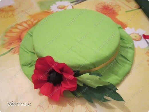 Открытки к 8 марта, платьице бабушке (Тимошкина работа), весенняя шляпка на конкурс в садик - вот не полный перечень наших весенних творений. фото 6