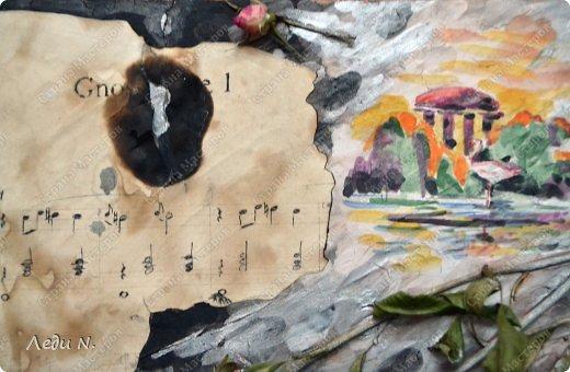 """Решила объединить свои старые панно в одну запись. Для основы использовалась терракотовая и белая керамические массы Koh-i-noor. Она легко окрашивается при высыхании. В данном случае для окраски я использовала гуашь и акварель.  Во всех случаях изображения декорированы сухими цветами. В панно """"Герань"""" использован искусственный жемчуг. В панно """"Маскарад"""" использован искусственный жемчуг и шелковая лента. В """"Gnossienne №1"""" состаренный при помощи кофе и обожженный свечкой нотный лист.  Первое - панно """"Герань"""" в розовато-серебристых цветах. Сделано в подарок фото 6"""