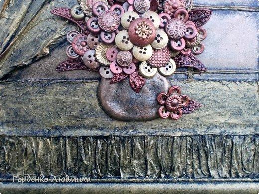 Здравствуйте,жители СМ!Сегодня я к Вам с очередным пуговичным творением!!!Вот такой у меня родился букет из старых пуговиц,бисера и салфеток))) фото 6