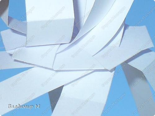 Перегибаемые полосы для правильных многоугольников М3-М9. Согнуть прямоугольник в средней цветной диагонали. Этот элемент ложится в нужный многоугольник, края попадают в стороны многоугольника (в ребра многогранника; только слегка наметить сгиб). Составлять последовательность прямоугольников зигзагообразно. фото 9