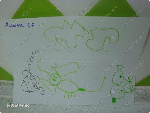 Добрый день! Делюсь с вами рисунками доченьки. Она очень любит рисовать фломастерами, красками не хочет, ими только раскрашивает. Вот такой милый ежик и забавный петушок получились у дочурки). На спине у ежика яблочко и грибочек. Рисует их в первый раз. Мне кажется, что для первого раза очень хорошо получились картинки. фото 3