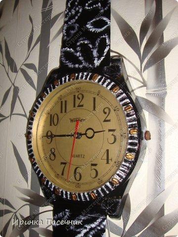 Решила я заняться переделкой))))) Были у мамы старые часы, которые уже давно надоели. Пришла мне мысль их обновить в тон кухни. Вот, что получилось! фото 1