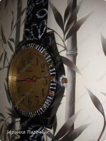 Решила я заняться переделкой))))) Были у мамы старые часы, которые уже давно надоели. Пришла мне мысль их обновить в тон кухни. Вот, что получилось! фото 4