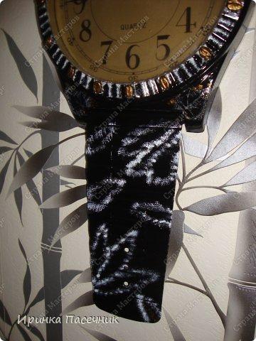 Решила я заняться переделкой))))) Были у мамы старые часы, которые уже давно надоели. Пришла мне мысль их обновить в тон кухни. Вот, что получилось! фото 6