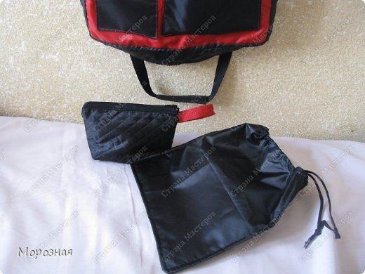 По просьбе сестренки сшила ей дорожную сумку-органайзер для поездок. МК и идею  по пошиву такой сумки взяли вот тут: http://www.vsehobby.ru/sumka_organajzer.html фото 5